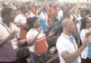 assemblée en prière